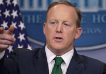 #SocialGathering: Sean Spicer's Tie Gets the Green Screen Treatment; Former White House Photog Throws Shade