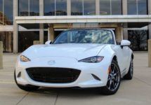 Review: The 2019 Mazda MX-5 Miata is a steal if you want a sports car for about $30,000