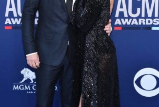 Cole Swindell and Barbie Blank Confirm Their Romance at 2019 ACM Awards