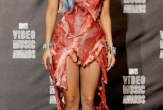 Relive the Riskiest MTV VMA Looks of All-Time